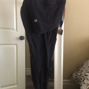 Never been worn size 10 full length LULULEMON!